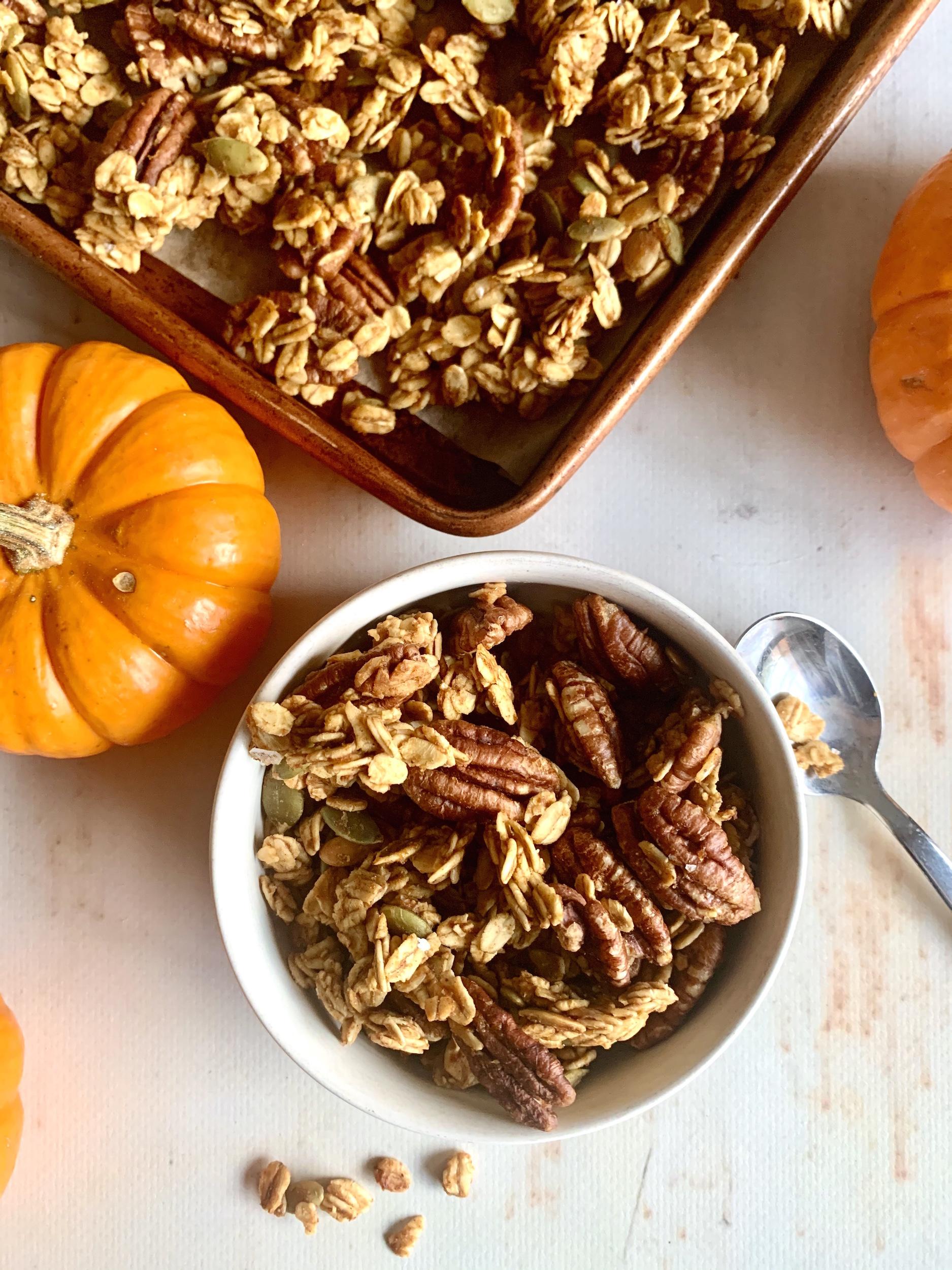 Bowl of pumpkin pie granola